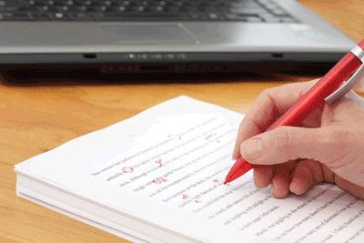 Online-Texter schreibt Text
