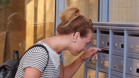 Kunden freuen sich über die erfolgreiche Akquise per Brief